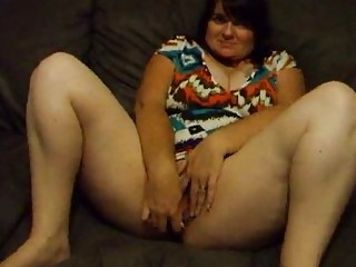 obese wife joanne dildoing and widening pussy