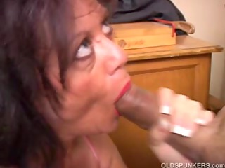 bewitching aged honey gives a oral stimulation