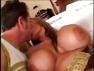mature mom with big bazookas sexing younger