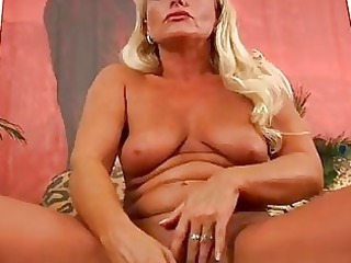 mature blonde sadie orgasms trion media