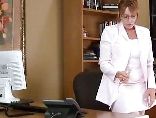 aged housewife kitchen office solo