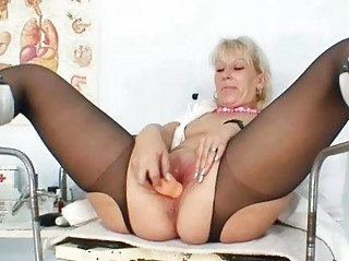 blonde d like to fuck in latex uniform