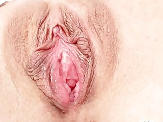 hawt blond mother i gets her pussy humiliated in