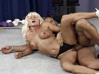 mature bodybuilder needs hard fuck
