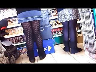 youthful mum,thick legs