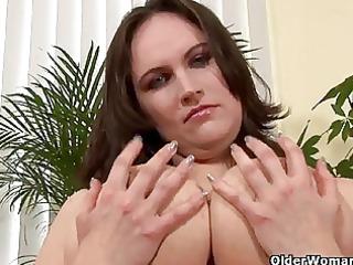 older mamma with large bumpers finger bonks her