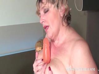trashy aged dildoing pink cum-hole