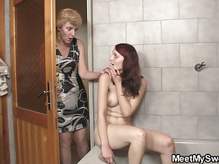 his mamma licks her cunt then daddy bangs her