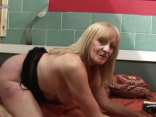 amateur slut grandmother playing with her moist