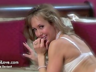 strip and tease at club retrotica a brandi love