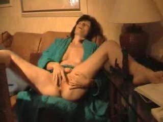 older wife masturbates 1
