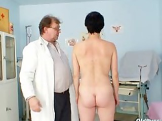 barbora visits gyno doctor to receive aged fur