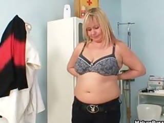 thick mamma with large natural tits gets part7