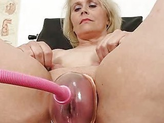 blondhaired bulky milf explored by cum-hole doctor