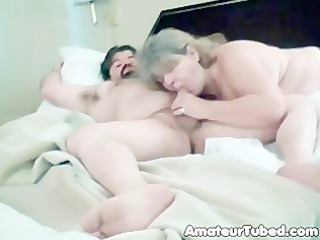 dilettante older engulfing dong hawt oral-sex