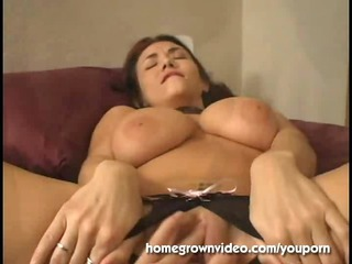 huge titty d like to fuck left with wet crack