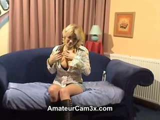 lustful german d like to fuck show her pussy on
